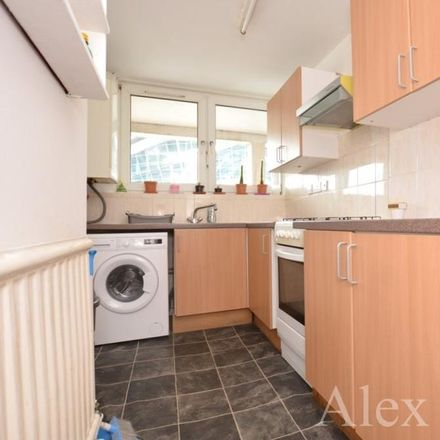 Rent this 3 bed apartment on London N17 0JQ