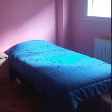 Rent this 3 bed room on Calle Fernando de los Ríos in Santander, Cantabria