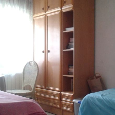 Rent this 2 bed room on Calle Santo Sepulcro de la Quinta in 18008 Granada, España