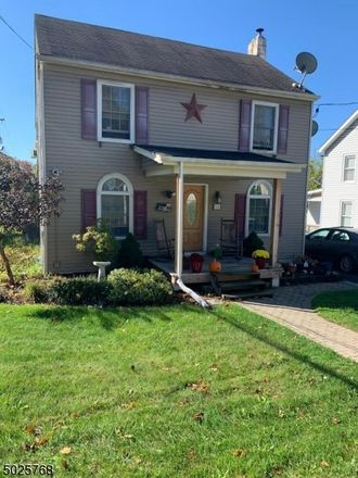 Rent this 4 bed house on Green St in Franklin, NJ