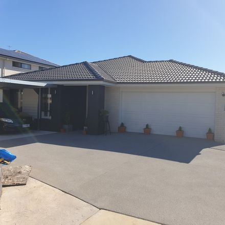 Rent this 2 bed house on River Glen Village in Crestmead, QLD