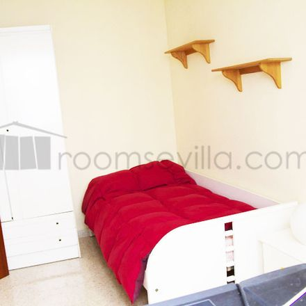 Rent this 1 bed room on Calle Alcalde Isacio Contreras in 41004 Seville, Spain