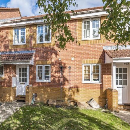 Rent this 2 bed house on Mount Road Park in Park Avenue, Thatcham RG18 4LW