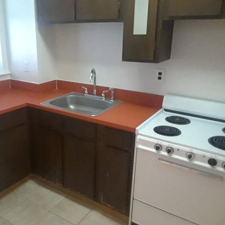 Rent this 3 bed townhouse on 541 Mosher Street in Baltimore, MD 21217