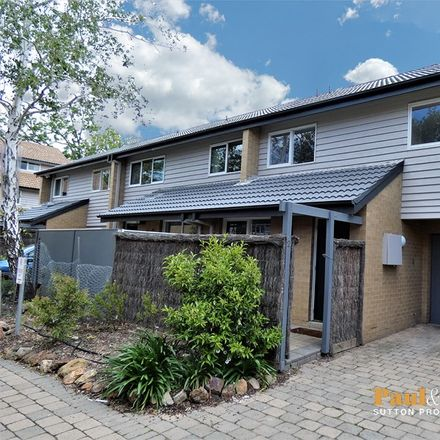 Rent this 3 bed townhouse on 2/11 Howitt Street