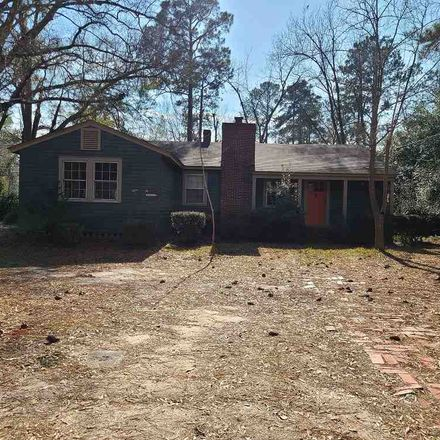 Rent this 3 bed house on 1310 Parkway Drive in Perry, GA 31069