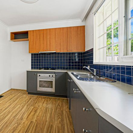 Rent this 2 bed apartment on 5/4 Albion Road