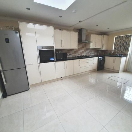 Rent this 4 bed house on Perth Road in London IG2 6EA, United Kingdom