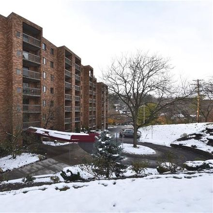 Rent this 2 bed condo on Cochran Rd in Pittsburgh, PA
