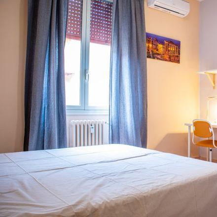 Rent this 4 bed room on Al re dei cuochi in Via Guglielmo Albimonte, 14B