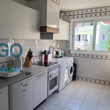 Rent this 3 bed apartment on Rua Mondariz in 2765-412 Cascais e Estoril, Portugal