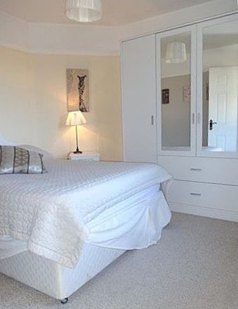 Rent this 3 bed room on Jamestown Rd in Northside, Dublin