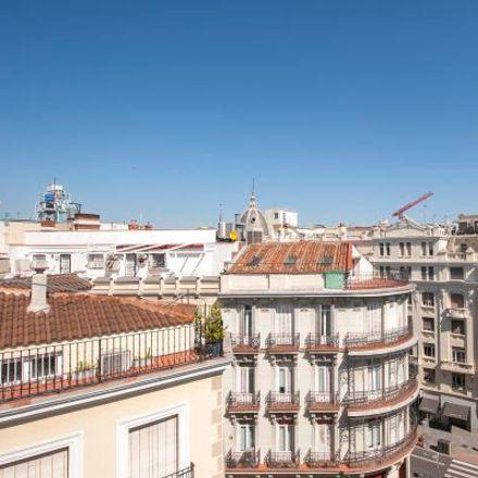 Rent this 3 bed apartment on El Ángel in Calle de Esparteros, 3
