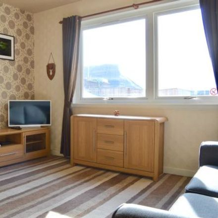 Rent this 3 bed apartment on University of Edinburgh - Holyrood Campus in Wilson's Court, City of Edinburgh EH8 8PA