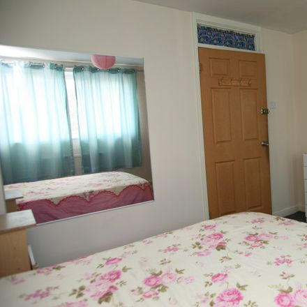 Rent this 4 bed apartment on Donnybrook Court in Old Ford Road, London E3 5PT