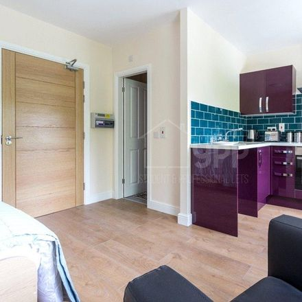 Rent this 0 bed apartment on Blenheim Primary School in Lofthouse Place, Leeds LS2 9EX