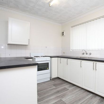 Rent this 1 bed apartment on 1/196 Flinders Street