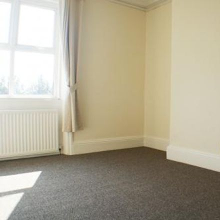 Rent this 3 bed apartment on Lidl staff parking and goods in in Shields Road, Gateshead NE10 0QR