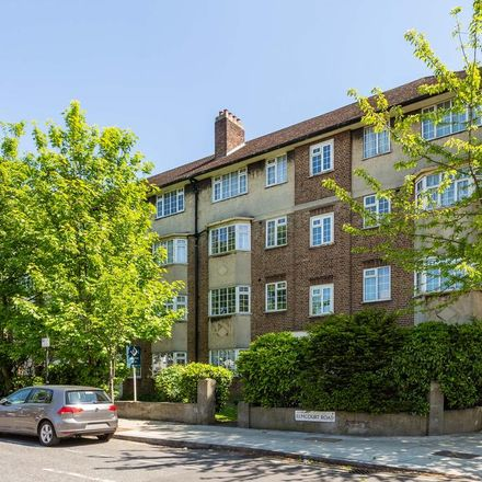 Rent this 2 bed apartment on Unique Dental Care in Elmcourt Road, London SE27 9DB