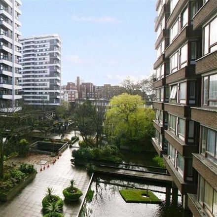 Rent this 3 bed apartment on Water Gardens (102-156) in Edgware Road, London W2 2HS