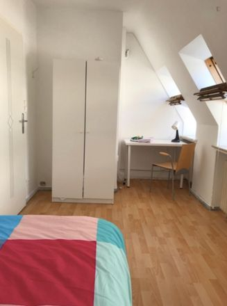 Rent this 6 bed room on Abbentorswallstraße 22 in 28195 Bremen, Germany