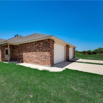 Rent this 3 bed duplex on Jennings Drive in Abilene, TX 79606