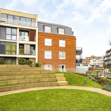 Rent this 2 bed apartment on Copthall House in St Ives Road, Maidenhead SL6 1PZ