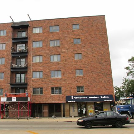 Rent this 2 bed condo on West North Avenue in Elmwood Park, IL 60302