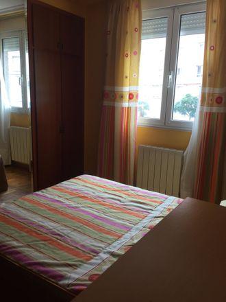 Rent this 3 bed room on Calle Fernando de los Ríos in 54, 39006 Santander