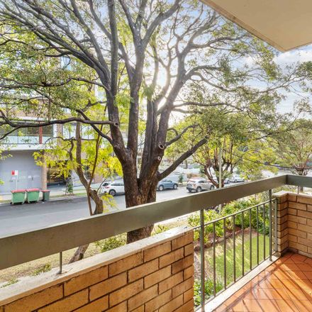 Rent this 3 bed apartment on 3/61-63 Hercules Street