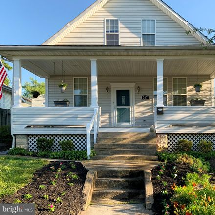 Rent this 3 bed house on 207 4th Avenue in Lansdowne, MD 21227
