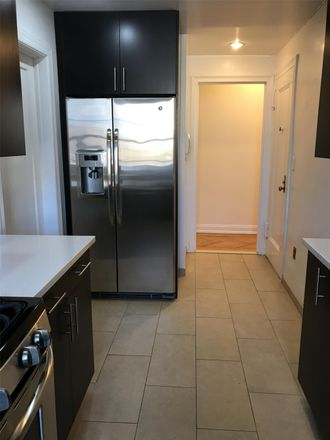 Rent this 3 bed apartment on 585 West End Ave in New York, NY 10024