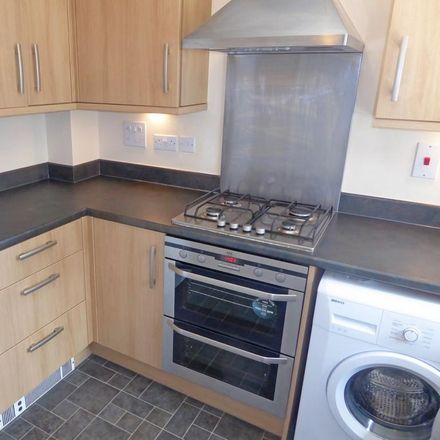 Rent this 2 bed house on Sinclair Drive in Basingstoke RG21 6AE, United Kingdom