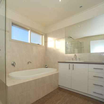 Rent this 3 bed house on 38 Stott Street