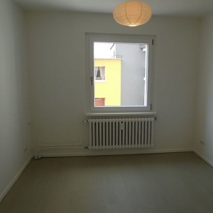 Rent this 3 bed apartment on Kaiserswerther Straße 84b in 47249 Duisburg, Germany