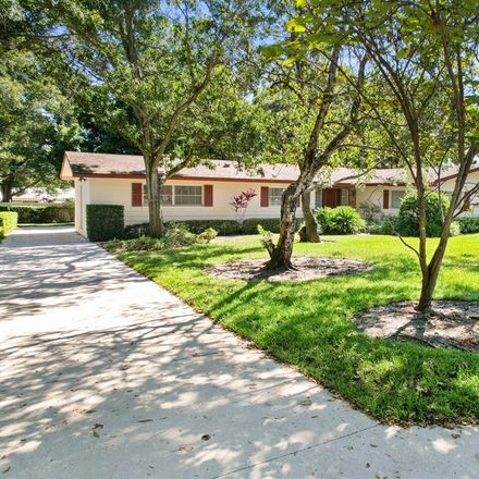 Rent this 3 bed house on Forest Glen Rd in Clearwater, FL