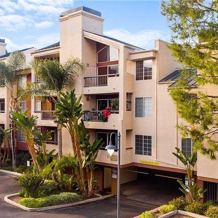 Rent this 2 bed condo on Burbank Boulevard in Los Angeles, CA 91367