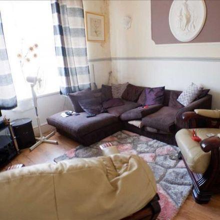 Rent this 2 bed apartment on Rhondda Principal Office (Rhondda Cynon Taf County Borough Council) in Berw Road, Tonypandy