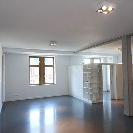 Rent this 4 bed apartment on 60329 Frankfurt