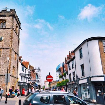 Rent this 2 bed apartment on BBC Radio in Hastings Street, Luton LU1 5XL