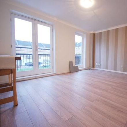 Rent this 5 bed house on Coverdale Road in London N11 3FF, United Kingdom