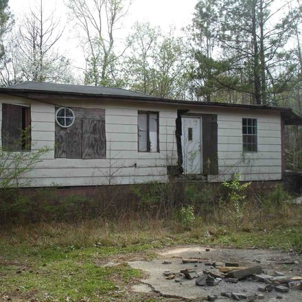 Rent this 3 bed house on 1458 Griffin Road in Macon, GA 31216