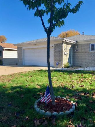 Rent this 3 bed house on Lakeville St in Harrison, MI