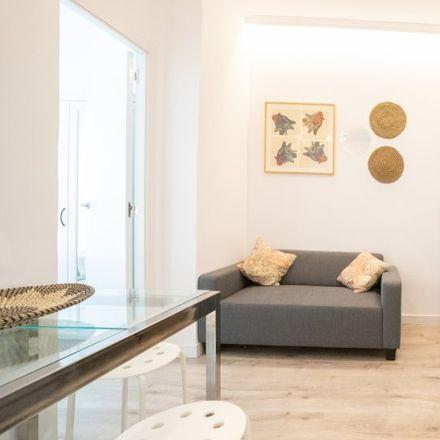 Rent this 3 bed apartment on Bed's in Calle de Blasco de Garay, 60