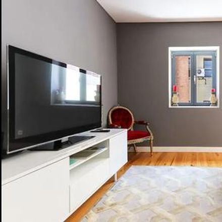 Rent this 2 bed apartment on Lisbon in São José, ÁREA METROPOLITANA DE LISBOA