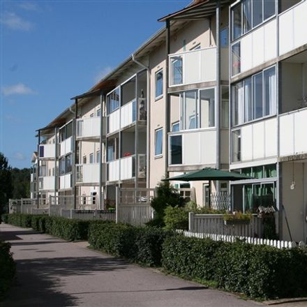 Rent this 2 bed apartment on Keramikplatsen in 302 91 Halmstad, Sweden