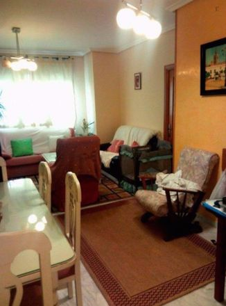Rent this 5 bed room on Centro de Mayores Vitalia in Calle Macedonia, 4