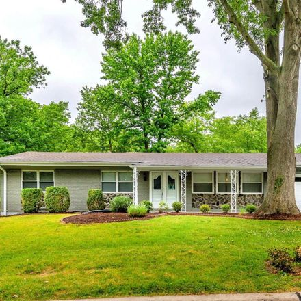 Rent this 4 bed house on 715 Bergerac Drive in Creve Coeur, MO 63141