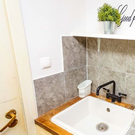Rent this 7 bed room on Iluzjon in Ludwika Narbutta 50A, 02-541 Warsaw