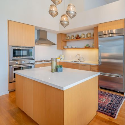 Rent this 2 bed house on 401 Chapala Street in Santa Barbara, CA 93101